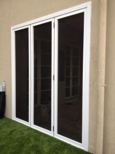 3panels bifold door